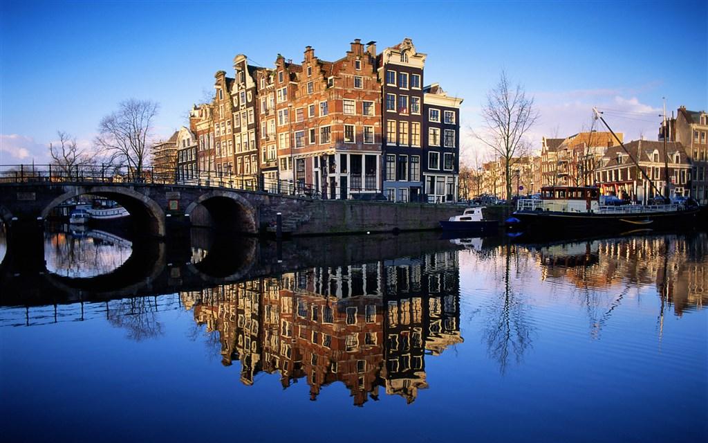Benelux -