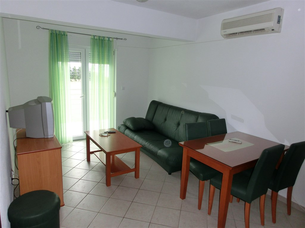 Apartmánový dům Nikolina (Ruža)