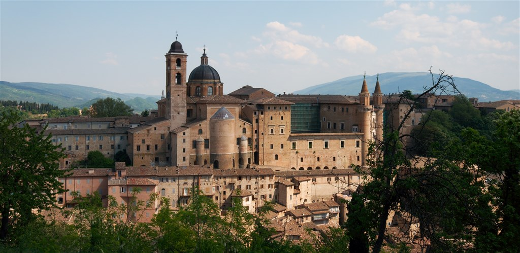 Perly střední Itálie