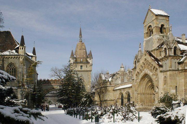 Advent v Budapešti a termály -  -