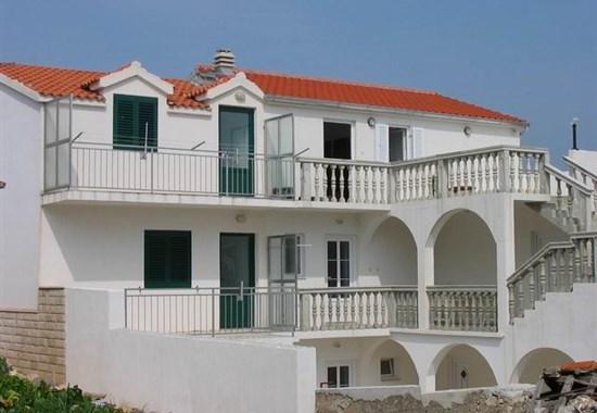 Primošten - Apartmánový dům Prgin - Dalmácie