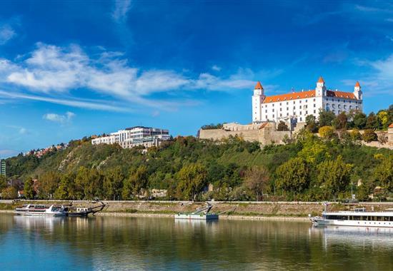 Bratislava, město tisíce požitků s plavbou po Dunaji - Slovensko