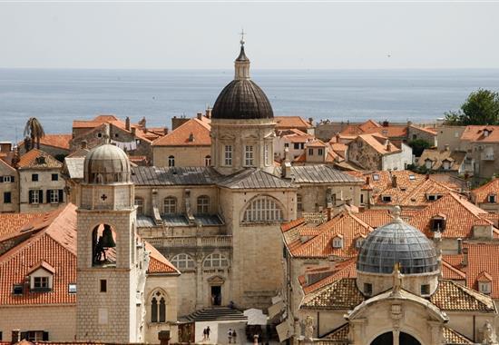 Zavírání moře na Makarské riviéře - Chorvatsko