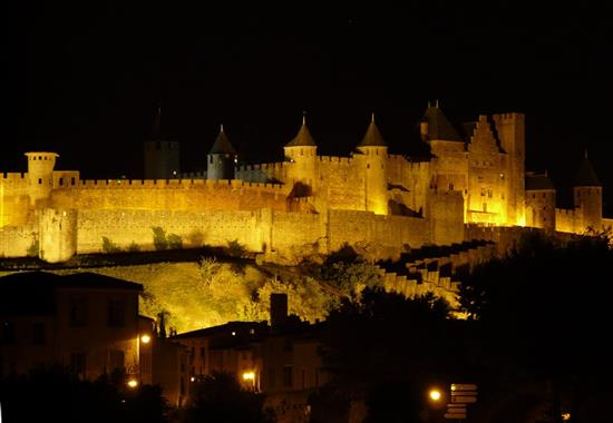 Languedoc a Roussillon - krajem katarských hradů a vína - Francie