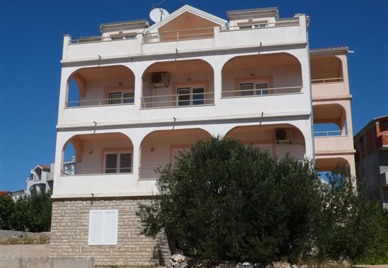 Primošten - Apartmánový dům Helena - Dalmácie