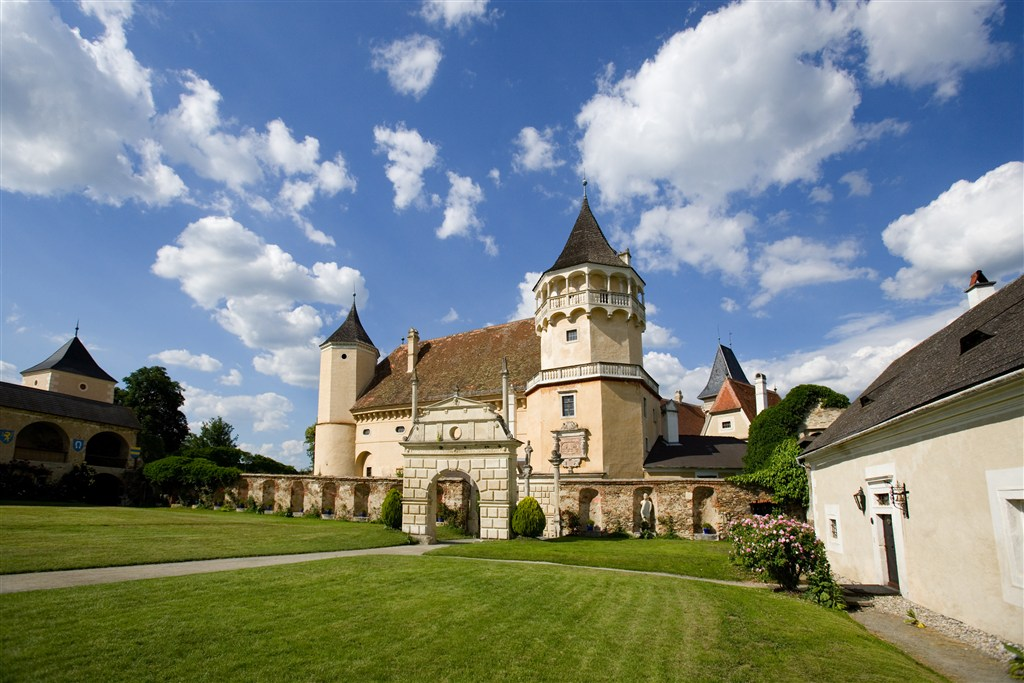 Zahrady Dolního Rakouska a zámek Rosenburg - Rakousko