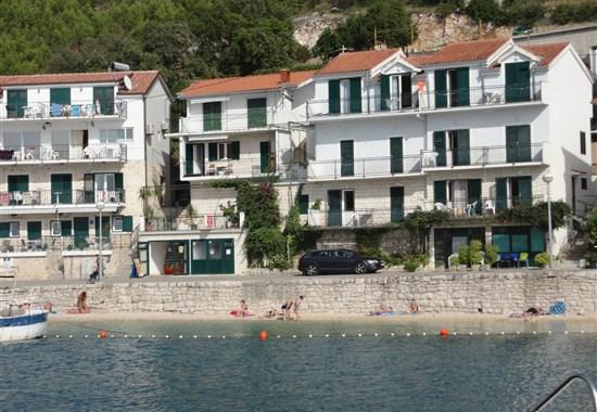 Apartmánový dům Kostanić - Chorvatsko